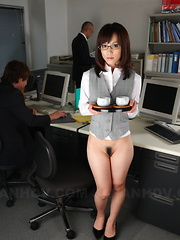 Slutty gal Arisa Suzuki is ready for hot sex